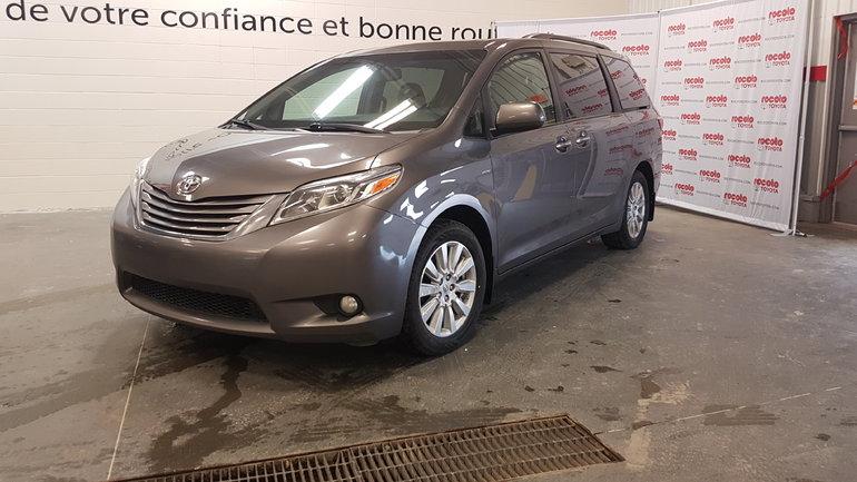 Toyota Sienna * XLE AWD * CUIR * TOIT OUVRANT * 2017