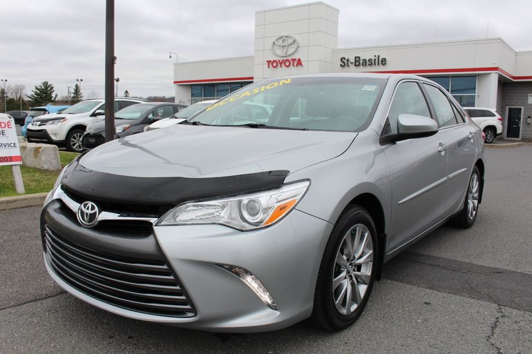 Toyota Camry XLE CUIR TOIT MAGS GPS SIEGES CHAUFFANTS 2016