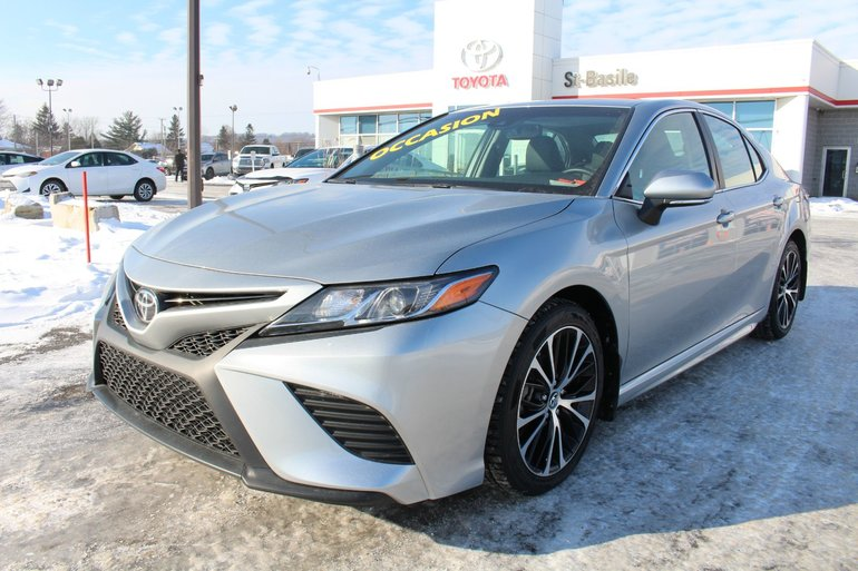 Toyota Camry SE AMELIORE CUIR TOIT SIEGES CHAUFFANTS CAM RECUL 2018