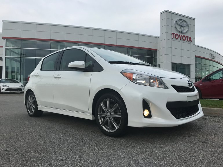 Toyota Yaris SE 2014
