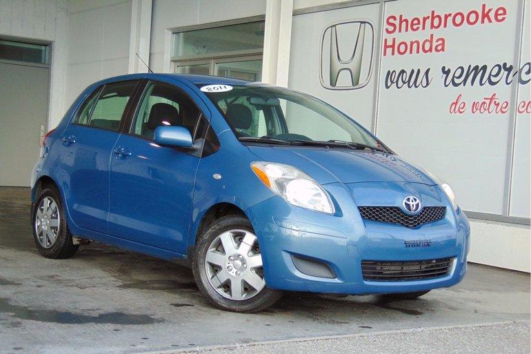 Toyota Yaris LE 2011
