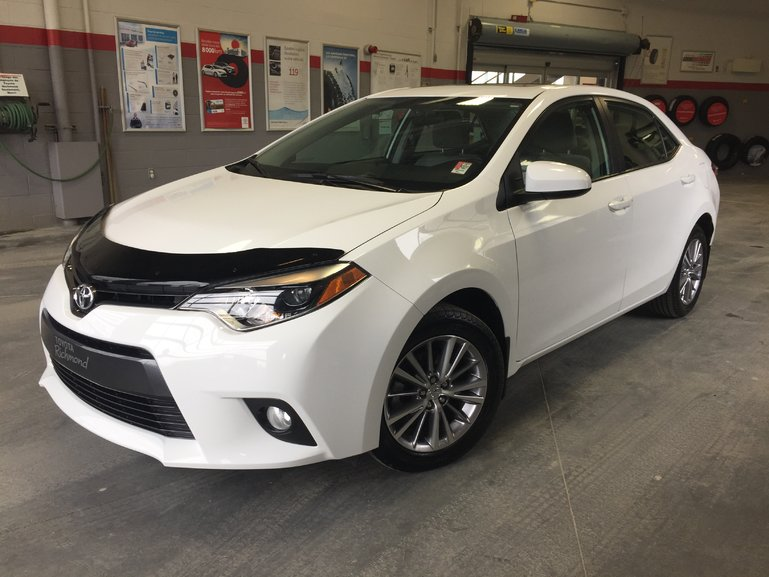 Toyota Corolla LE Gr:B *TOIT + MAGS* 2015