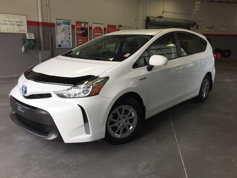 Toyota Prius v BASE *TRÈS ÉCONOMIQUE* 2017