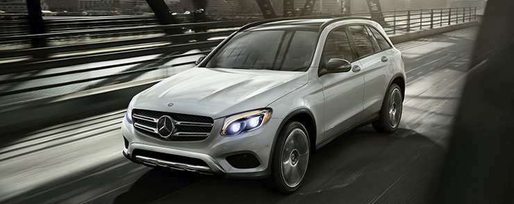 Mercedes-Benz GLC F-CELL, the world's first pluggable hydrogen car.