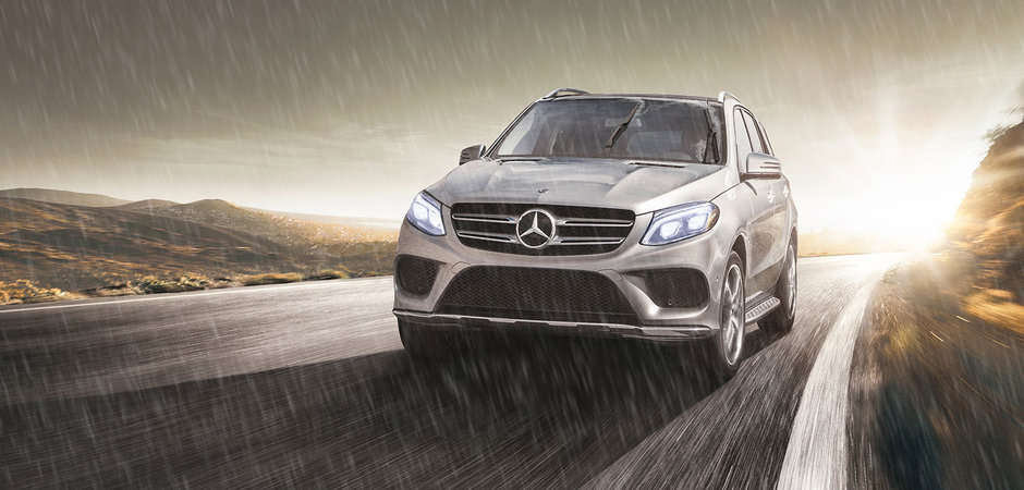 2018 Mercedes-Benz GLE: Luxurious all-weather performance.