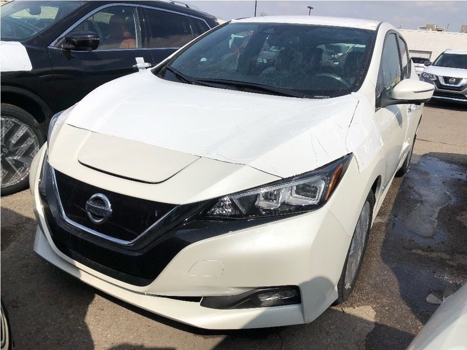 2019 Nissan Leaf SL in Mississauga, Ontario - w940px