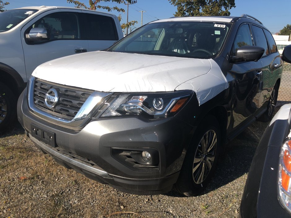 2018 Nissan Pathfinder SL Premium V6 4x4 at in Vancouver, British Columbia - w940px