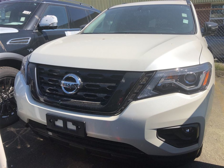 2018 Nissan Pathfinder Midnight Edition V6 4x4 at in Vancouver, British Columbia - w940px