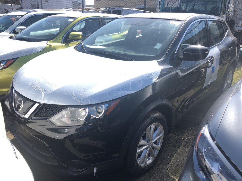 2018 Nissan Qashqai S FWD CVT (2) in Vancouver, British Columbia - w940px