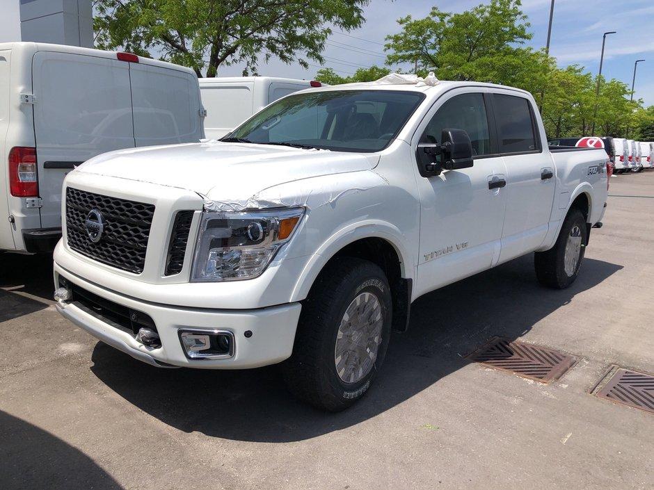 2019 Nissan Titan Crew Cab PRO-4X 4X4 in Mississauga, Ontario - w940px