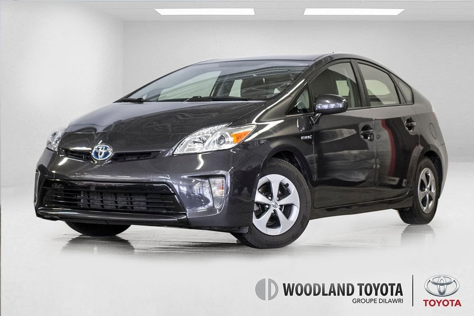 2014 Toyota Prius Hybride  Caméra Recul / Bluetooth / A/C in Verdun, Quebec - w940px
