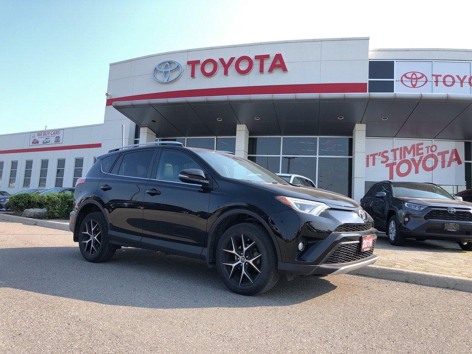 2016 Toyota RAV4 AWD SE in Bolton, Ontario - w940px