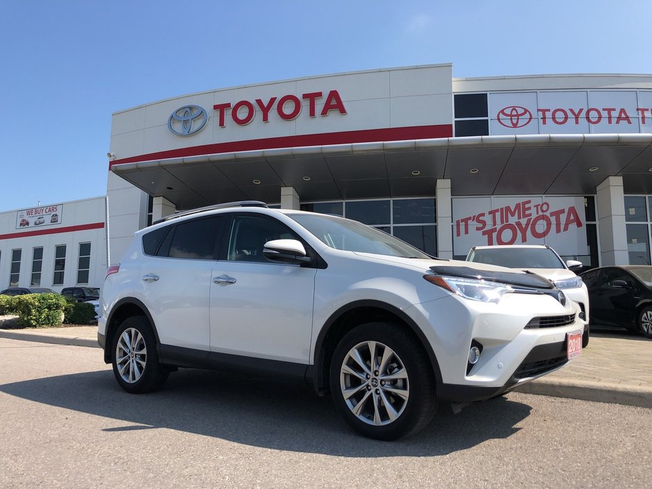 2018 Toyota RAV4 AWD Limited in Bolton, Ontario - w940px
