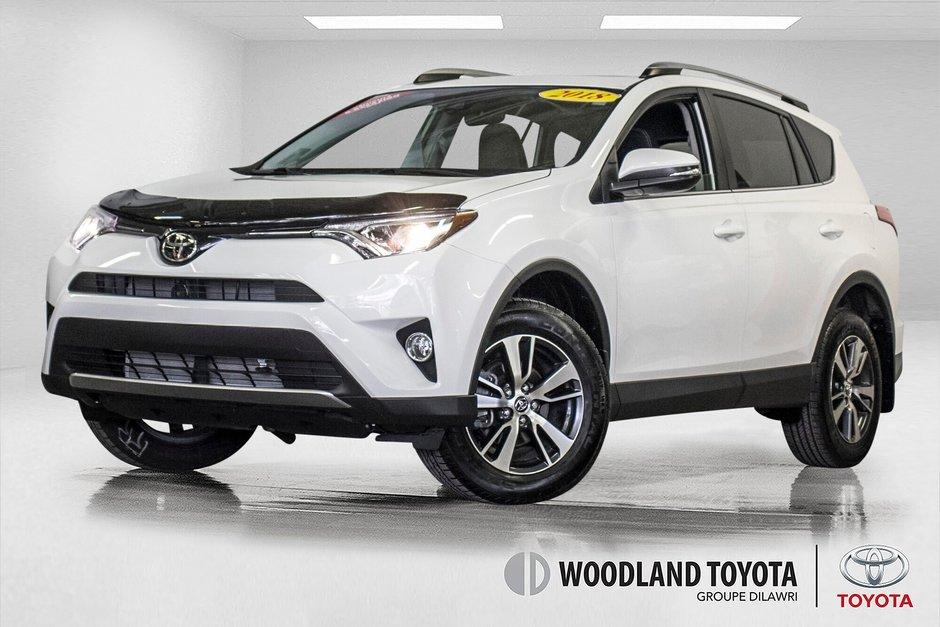 2018 Toyota RAV4 XLE/AWD/Toit ouvrant / Caméra / Bluetooth/ in Verdun, Quebec - w940px