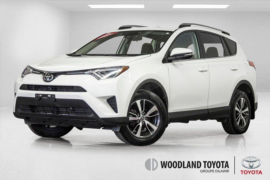 2018 Toyota RAV4 AWD / Caméra Recul / Mags / Bluetooth in Verdun, Quebec - w940px