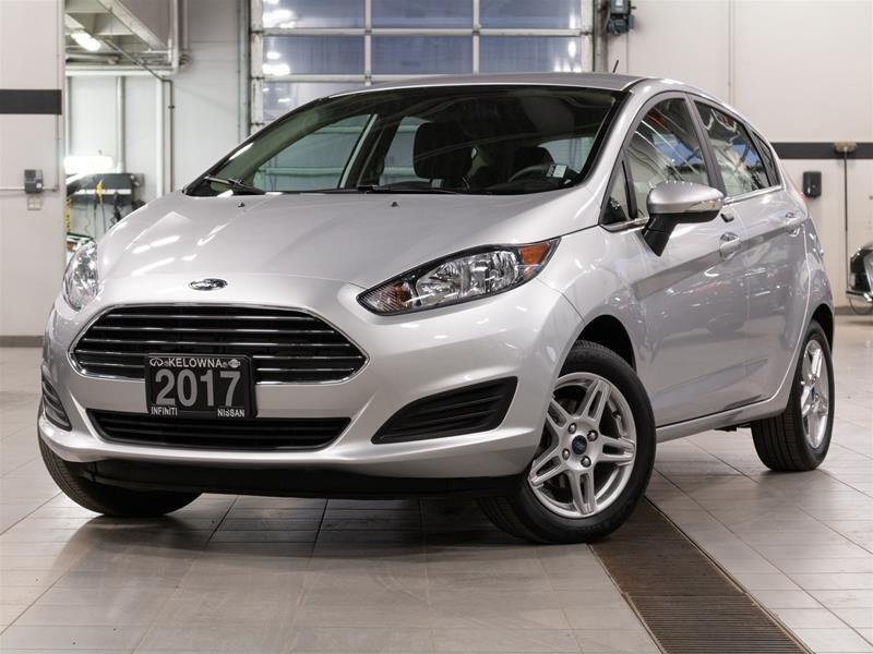 2017 Ford Fiesta (5) SE