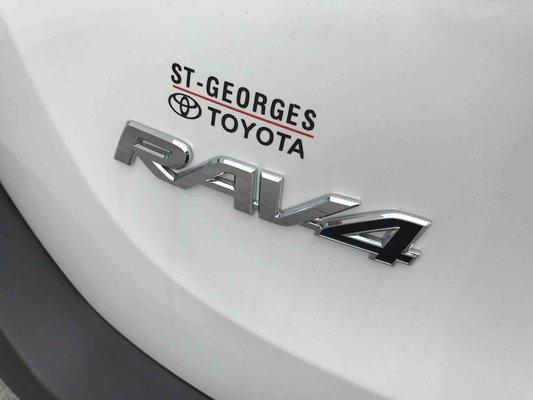 Model{id=36137, name='Rav4 AWD', make=Make{id=589, name='Toyota', carDealerGroupId=1, catalogMakeId=32}, organizationIds=[303], catalogModelId=null}