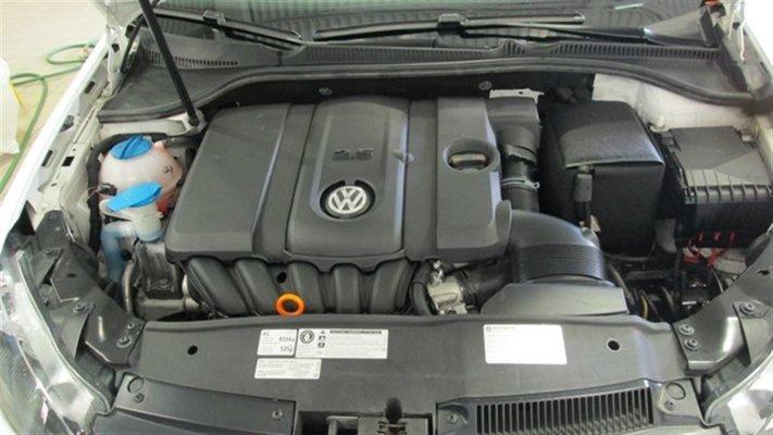 Model{id=35145, name='GOLF TRENDLINE', make=Make{id=586, name='Volkswagen', carDealerGroupId=1, catalogMakeId=47}, organizationIds=[303], catalogModelId=null}
