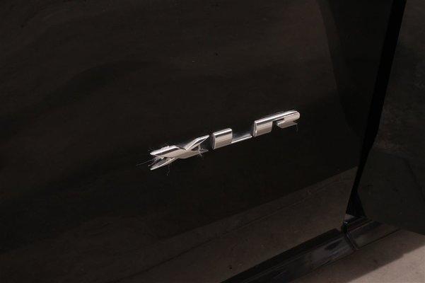 Model{id=26019, name='XLR', make=Make{id=798, name='Cadillac', carDealerGroupId=2, catalogMakeId=43}, organizationIds=[19, 20, 72, 243, 246, 354], catalogModelId=null}