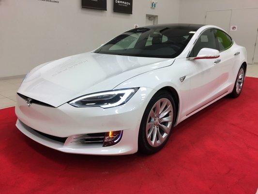 Model{id=29242, name='Model S', make=Make{id=4883, name='Tesla', carDealerGroupId=82, catalogMakeId=null}, organizationIds=[1, 70, 82, 94, 115, 200, 210, 296, 314, 333, 342, 439, 497, 544], catalogModelId=null}